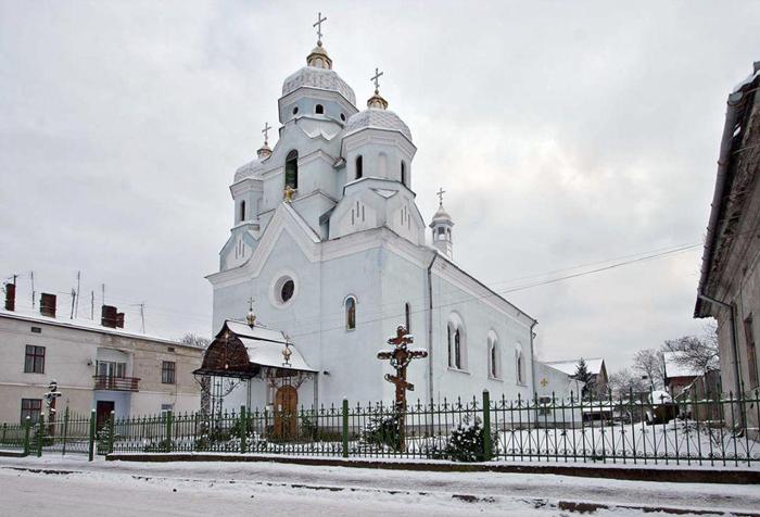 Церква Зіслання Св. Духа. Світлина Павла Бішка, 2010 р.